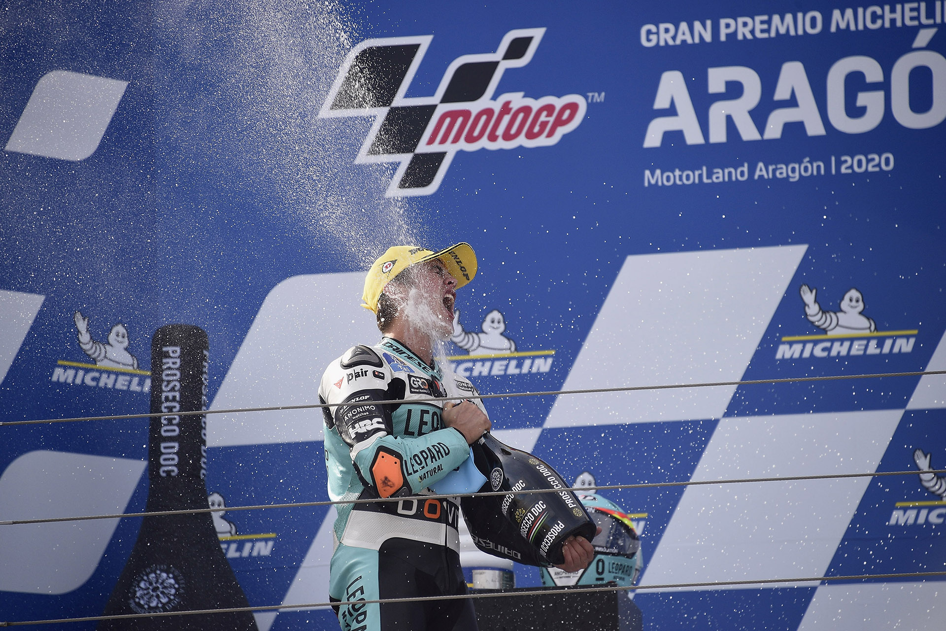 Jaume Masia takes victory in Aragon